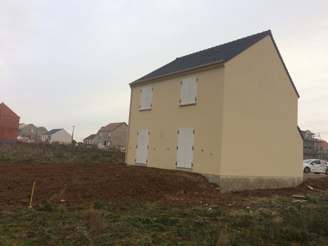 Maisons du constructeur MAISONS PIERRE • 96 m² • VARREDDES