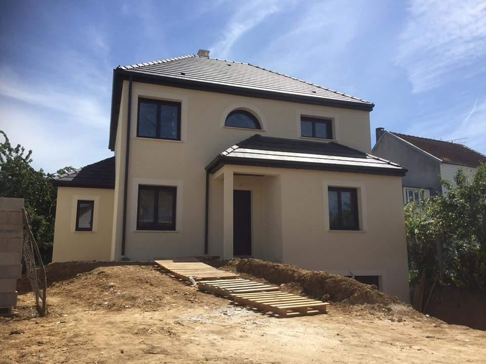 Maisons + Terrains du constructeur LES MAISONS.COM PONTAULT COMBAULT • 98 m² • CHAILLY EN BIERE
