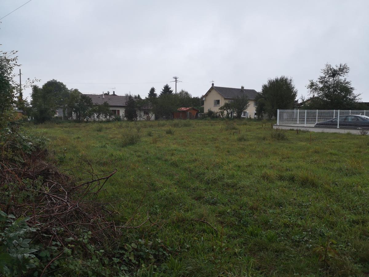 Terrains du constructeur TRADICONFORT BOURGOIN • 1400 m² • LA TOUR DU PIN
