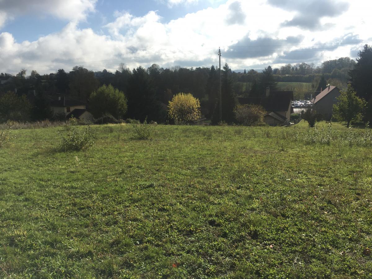 Terrains du constructeur TRADICONFORT BOURGOIN • 1692 m² • LA BATIE MONTGASCON