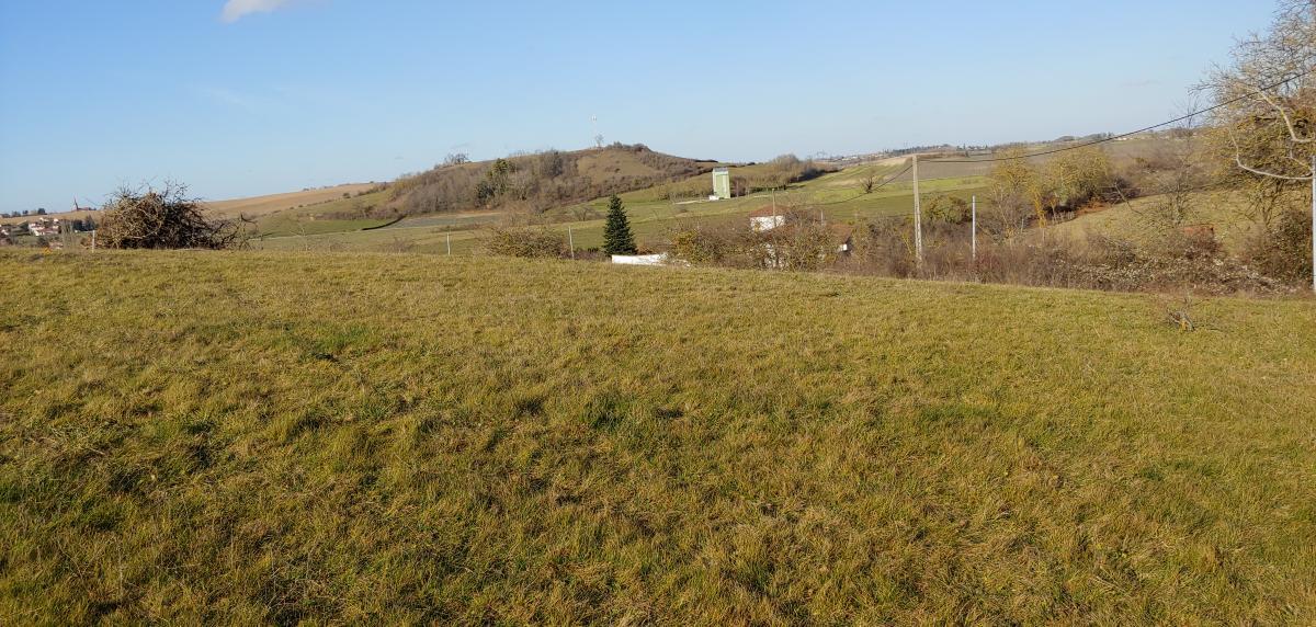 Terrains du constructeur TRADICONFORT BOURGOIN • 753 m² • CHATONNAY