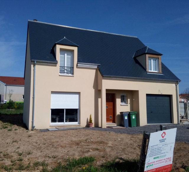 Maisons du constructeur MAISONS PIERRE • 132 m² • CHECY