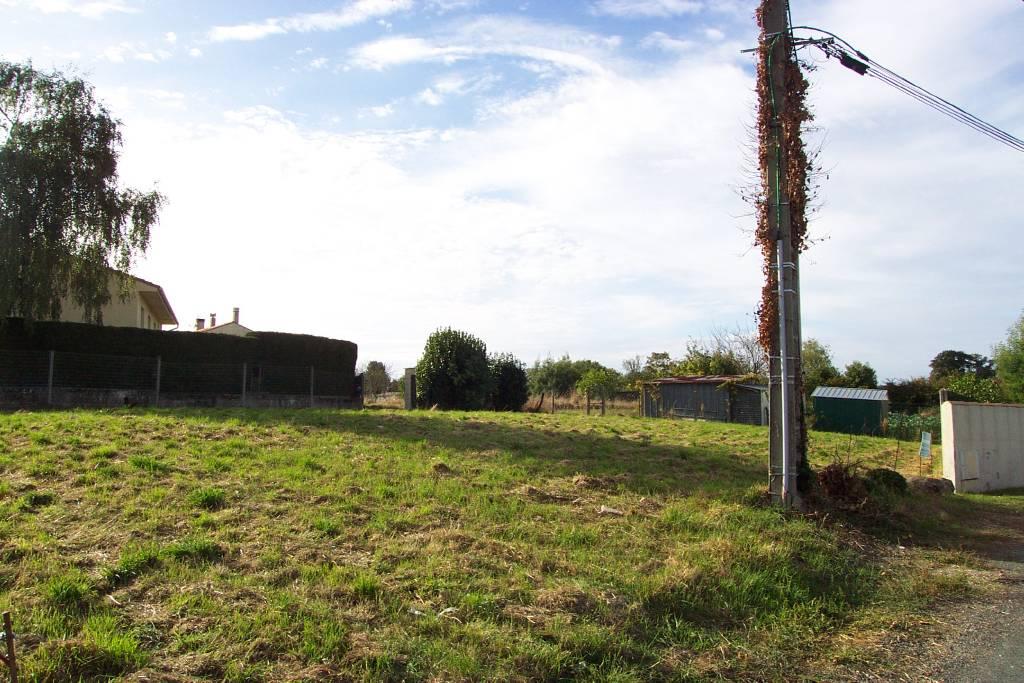 Terrains du constructeur LEGRAND BARATHON SCP • 607 m² • AVRILLE