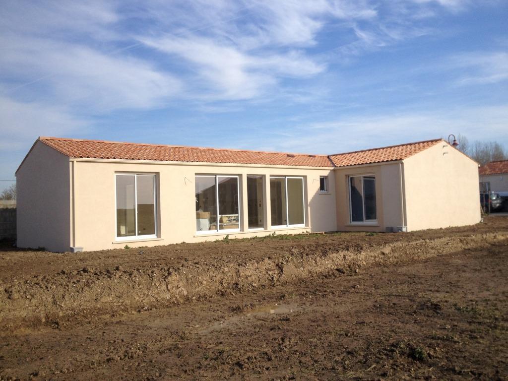 Maisons + Terrains du constructeur MAISONS PHENIX MERIGNAC • 97 m² • SAINT SELVE