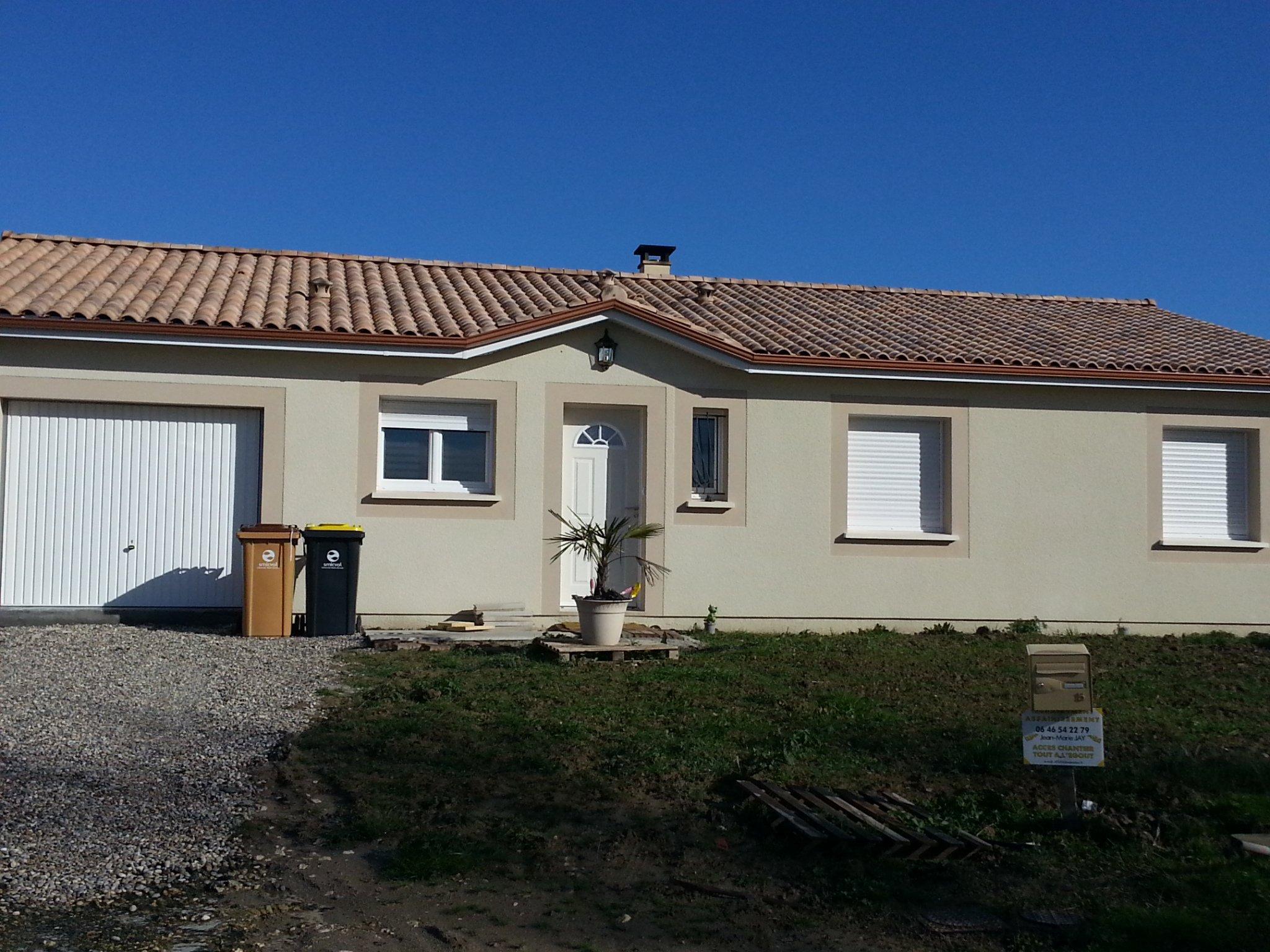 Maisons + Terrains du constructeur MAISONS PHENIX MERIGNAC • 102 m² • SALLES