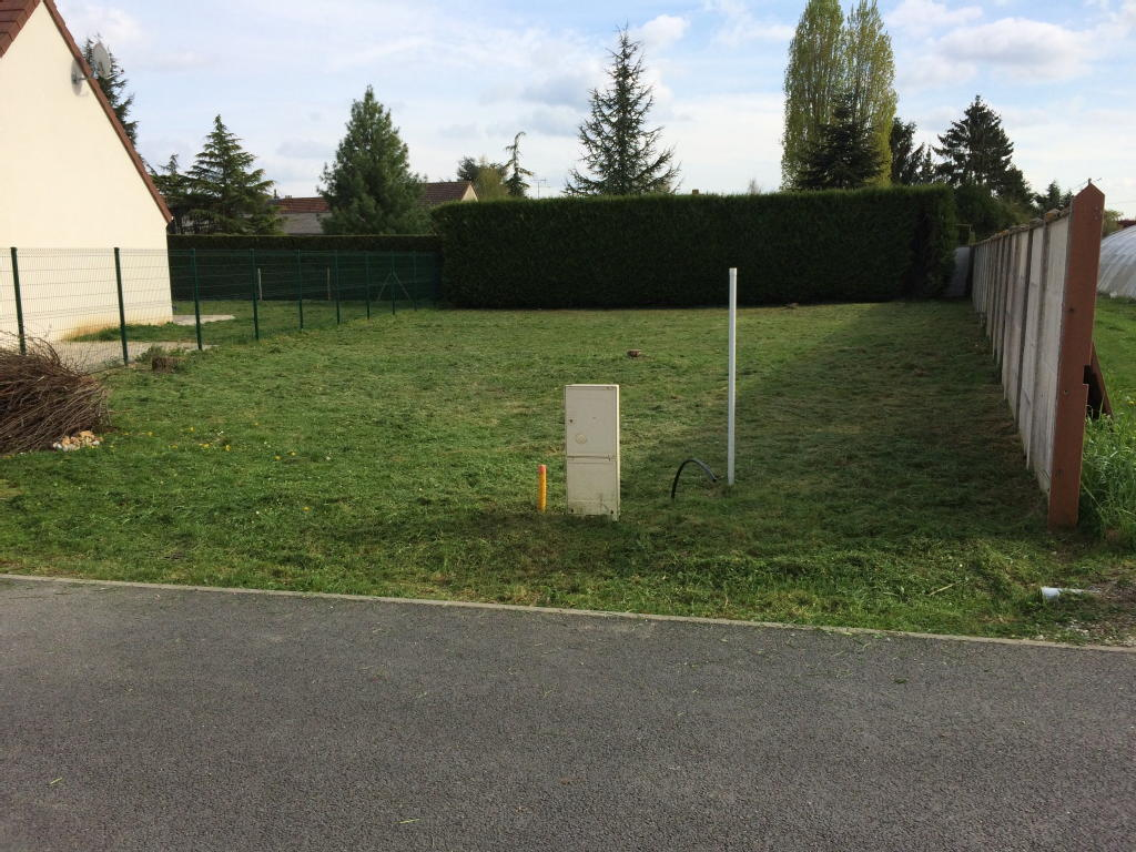 Terrains du constructeur AGENCE LATOUR • 508 m² • MEZIERES EN DROUAIS