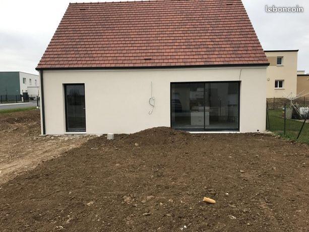 Maisons du constructeur LES LOGIS DE PICARDIE - AGENCE DE PONT SAINTE MAXENCE • 80 m² • CLERMONT