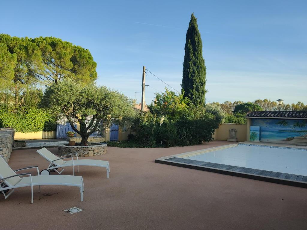 Terrains du constructeur LES 4 CHEMINS DE L IMMOBILIER • 450 m² • ROUSSET