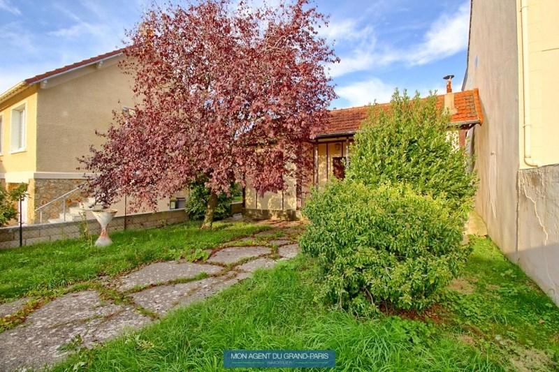 Terrains du constructeur MON AGENT DU GRAND PARIS • 370 m² • SACLAY