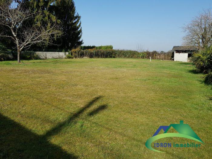 Terrains du constructeur IDRON IMMOBILIER • 1064 m² • PONTACQ