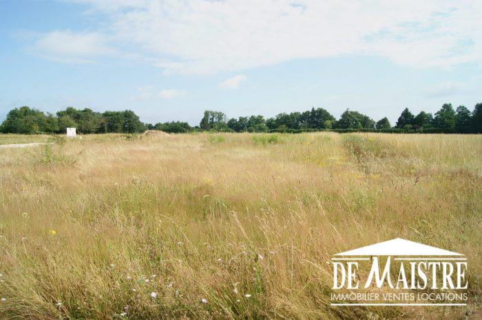 Terrains du constructeur DE MAISTRE IMMOBILIER • 994 m² • GUILLY