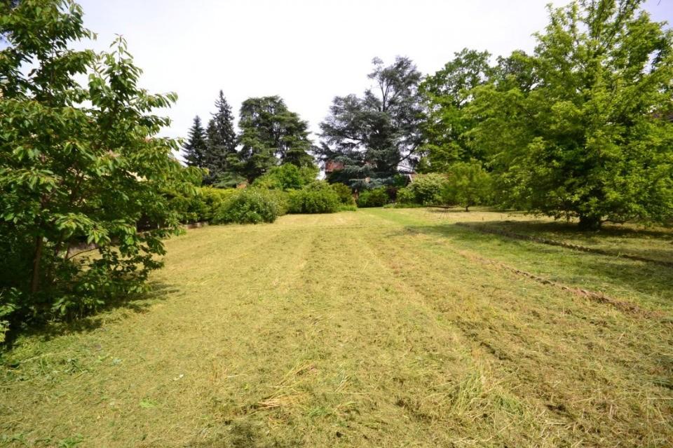 Terrains du constructeur MAISONS FRANCE CONFORT • 436 m² • OISSEL