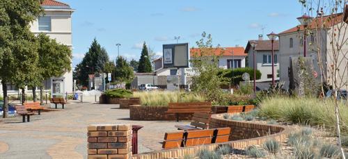 Terrains du constructeur MAISONS ELAN • 510 m² • AULNAT
