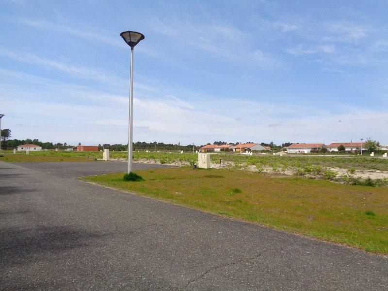 Terrains du constructeur SAFTI • 600 m² • LEON