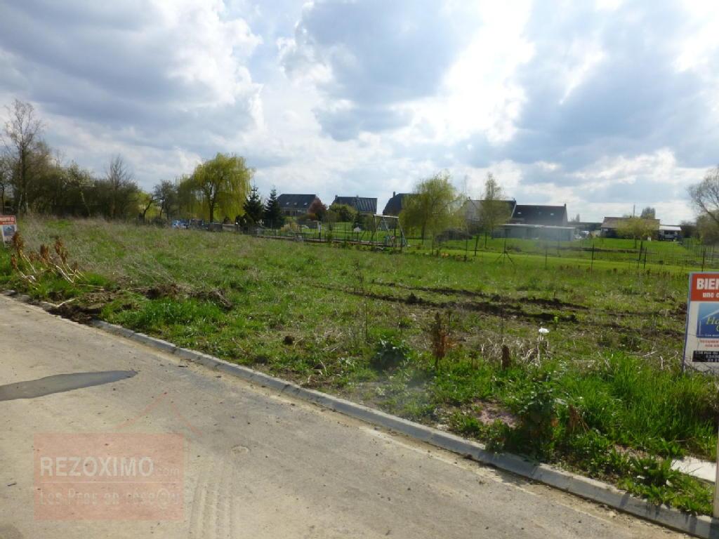 Terrains du constructeur REZOXIMO • 400 m² • MONT BERNANCHON