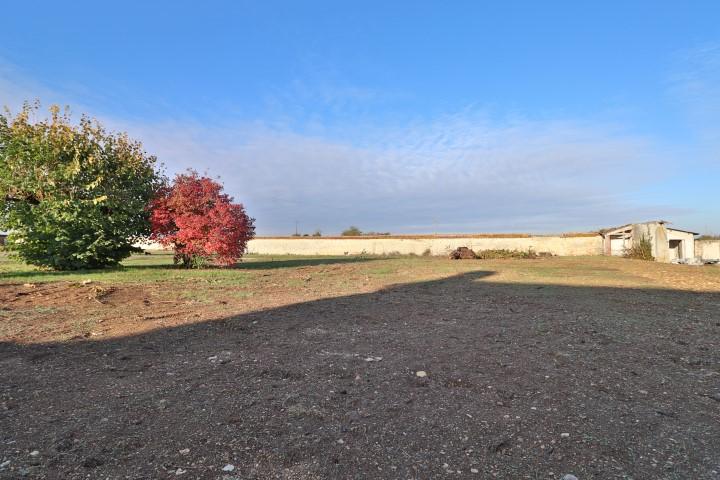 Terrains du constructeur LE TUC IMMOBILIER • 900 m² • NEUVILLE DE POITOU