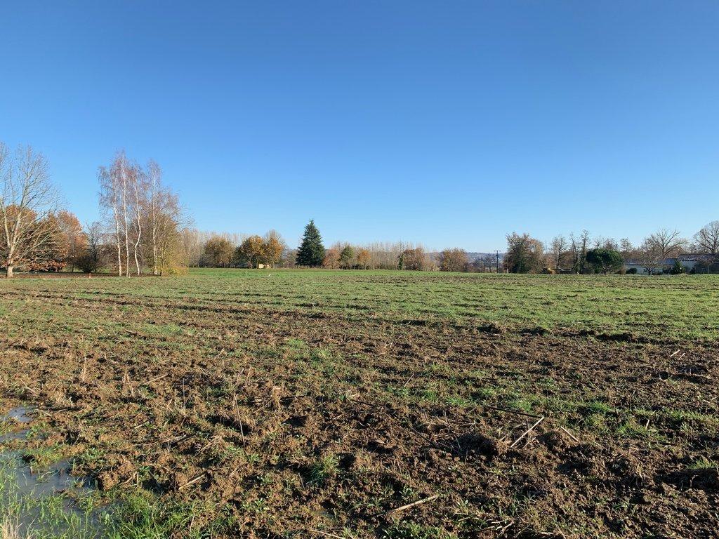 Terrains du constructeur IMMOBILIERE CHARBIT • 2597 m² • COURS DE PILE