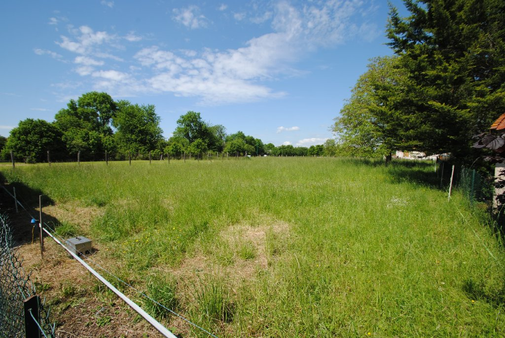 Terrains du constructeur COMBRONDE IMMOBILIER • 1059 m² • EFFIAT