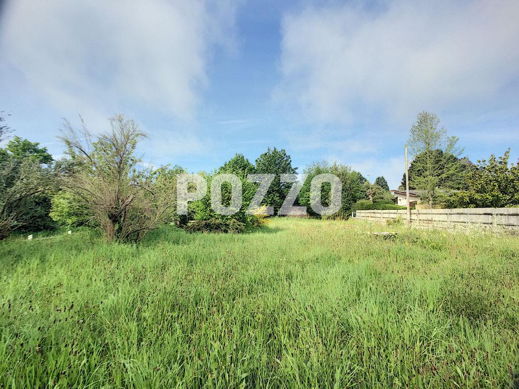 Terrains du constructeur POZZO TRANSACTION • 900 m² • CAROLLES