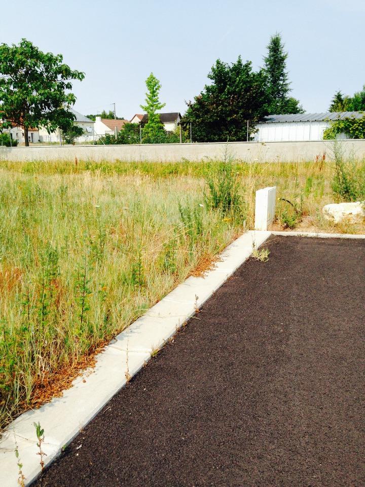 Terrains du constructeur MAISONS FRANCE CONFORT • 637 m² • SAINT AY