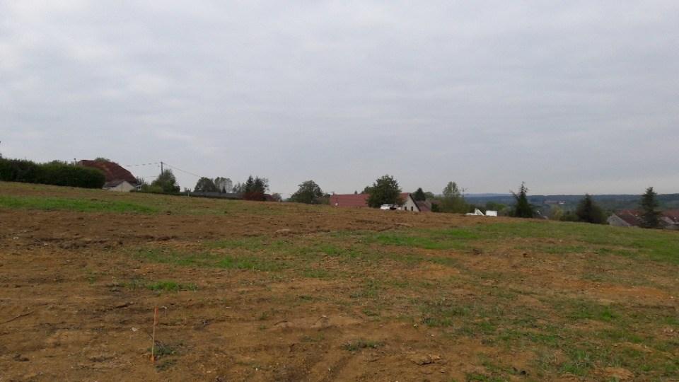 Terrains du constructeur MAISONS FRANCE CONFORT • 767 m² • FRAISANS
