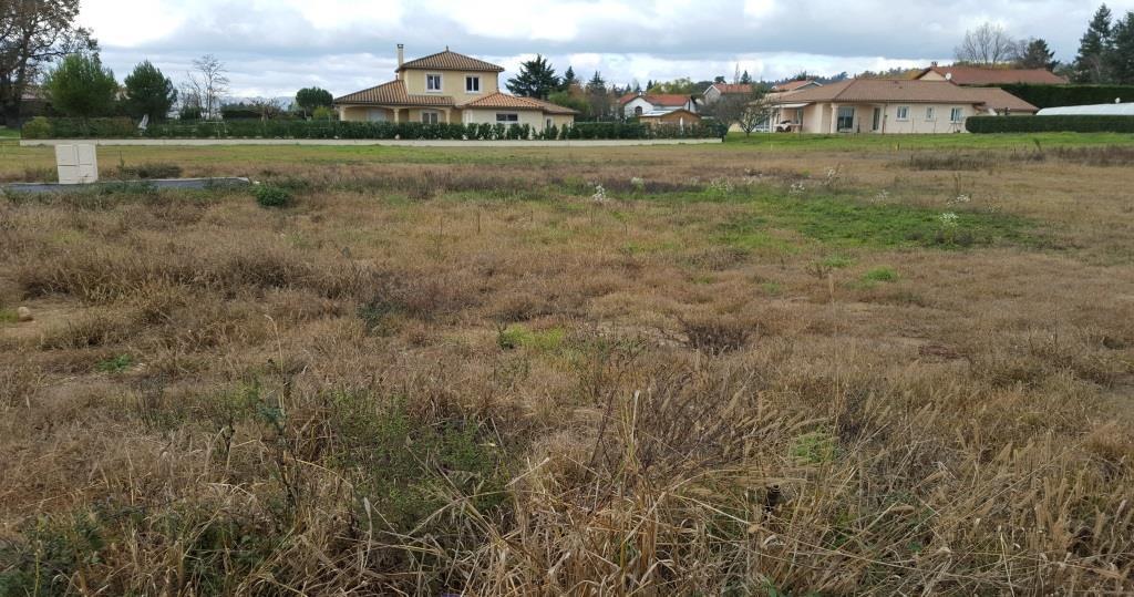 Terrains du constructeur SOREL S A • 670 m² • REYRIEUX