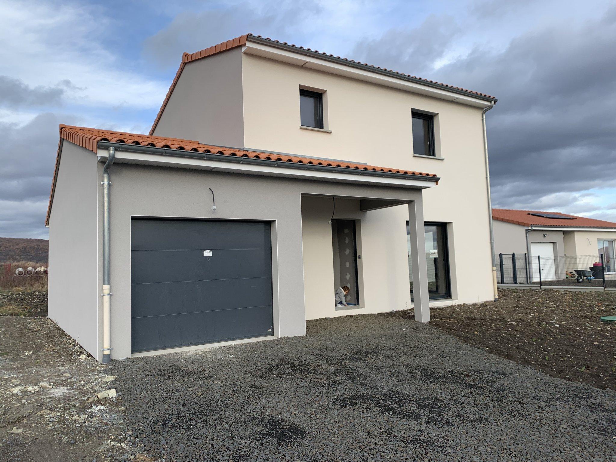Maisons du constructeur MAISONS CLEDOR • 97 m² • TALLENDE