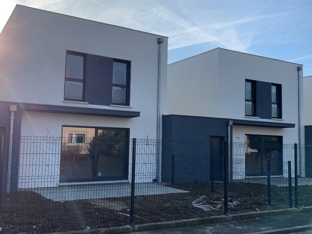 Maisons du constructeur EUROMAISONS • 101 m² • HUNINGUE