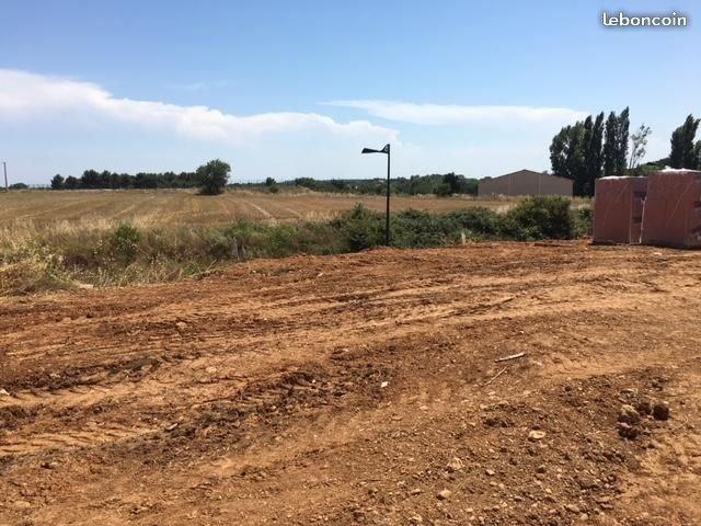 Terrains du constructeur S'ANTONI IMMOBILIER AGENCE JMG • 408 m² • BESSAN