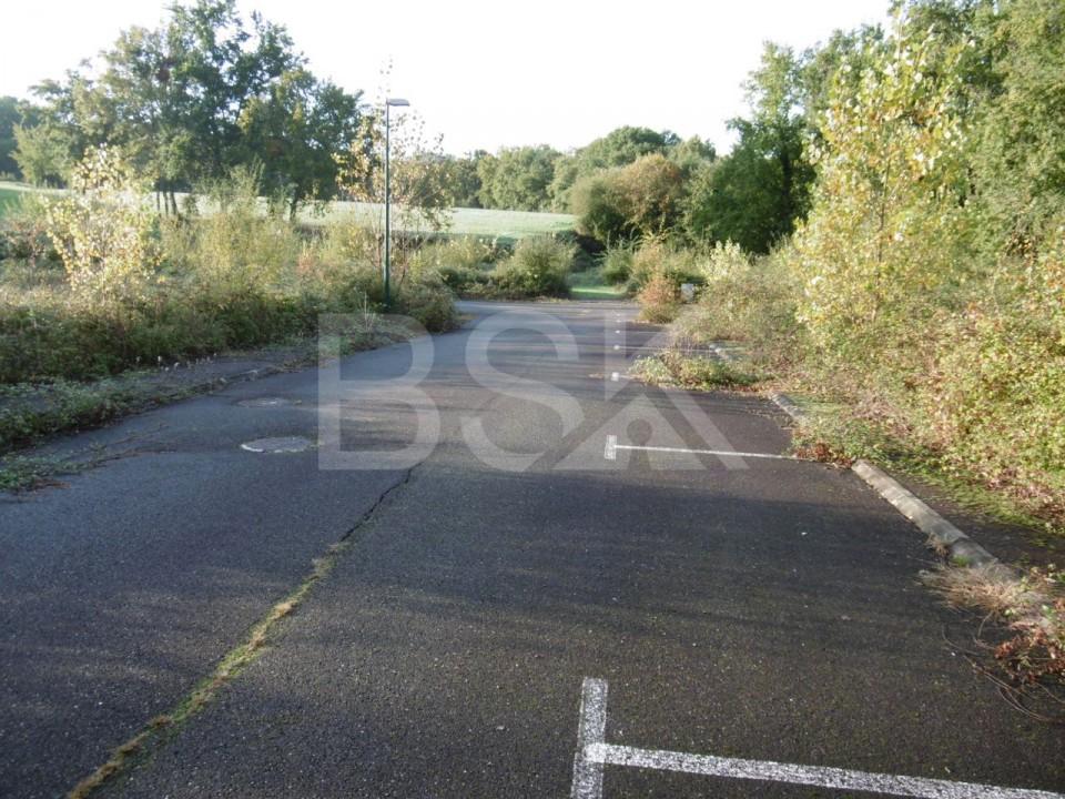 Terrains du constructeur RESEAU BSK IMMOBILIER • 650 m² • LE HOUGA