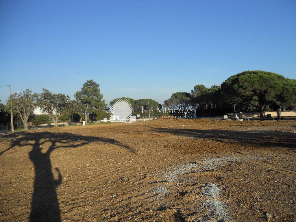 Terrains du constructeur AGENCE LES MIMOSAS • 435 m² • FREJUS