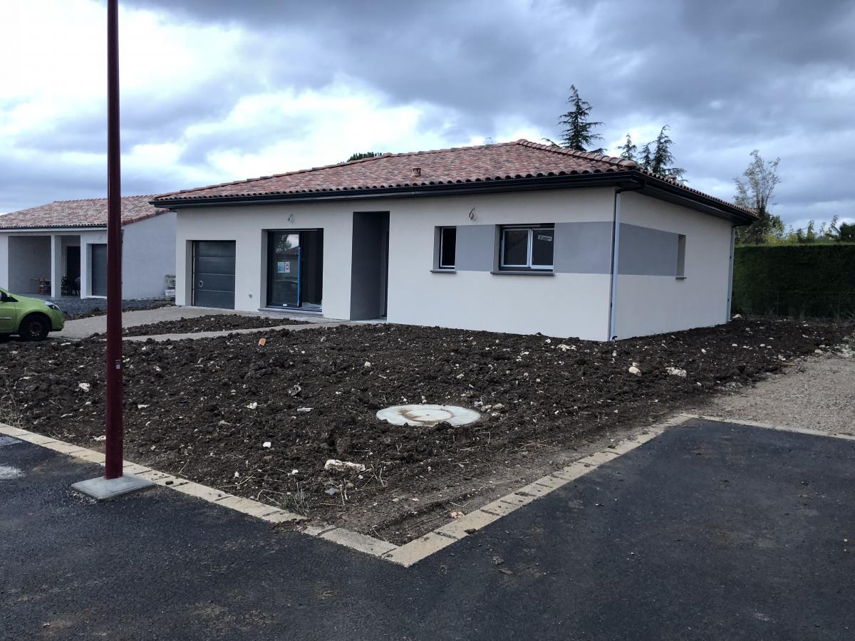 Maisons du constructeur ESQUISS BEAUZELLE • 100 m² • SAINT LYS