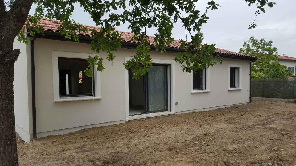 Maisons du constructeur ESQUISS BEAUZELLE • 100 m² • VERNET