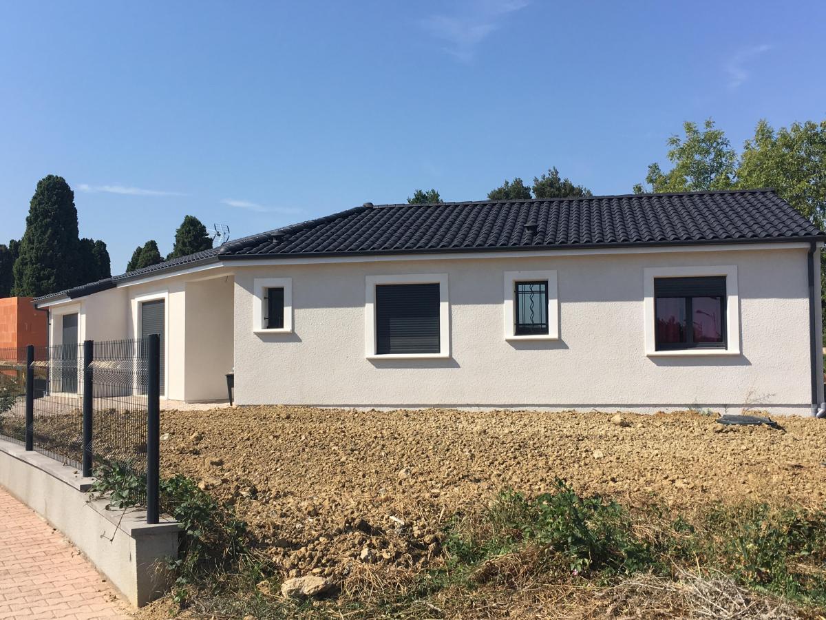 Maisons du constructeur ESQUISS BEAUZELLE • 110 m² • LARRA