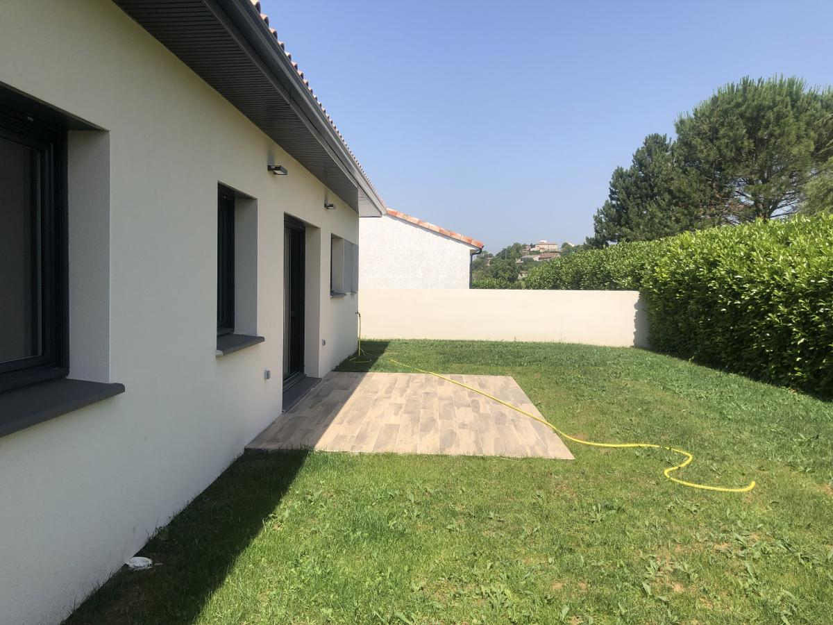 Maisons du constructeur ESQUISS BEAUZELLE • 100 m² • MONTBERON