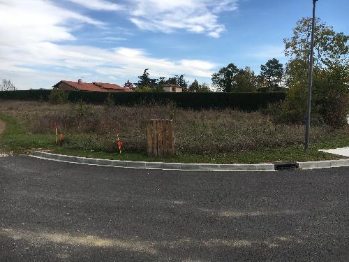 Terrains du constructeur ESQUISS AUCAMVILLE • 504 m² • FRONTON