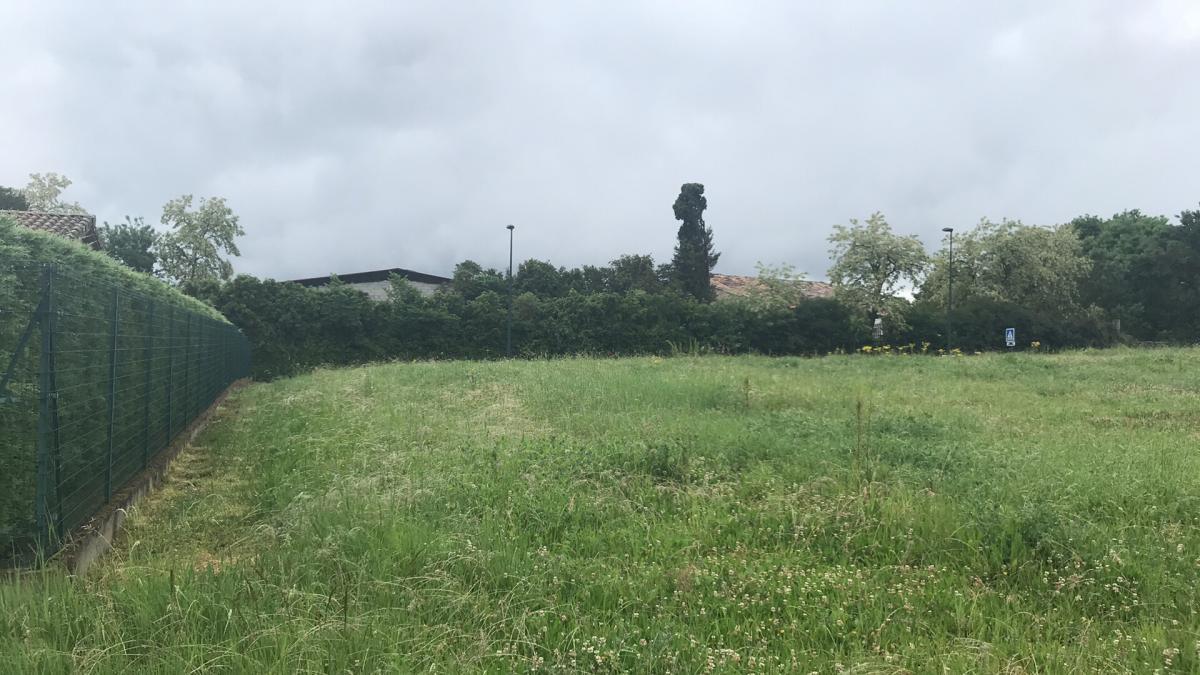 Terrains du constructeur ESQUISS AUCAMVILLE • 480 m² • LABASTIDE SAINT SERNIN