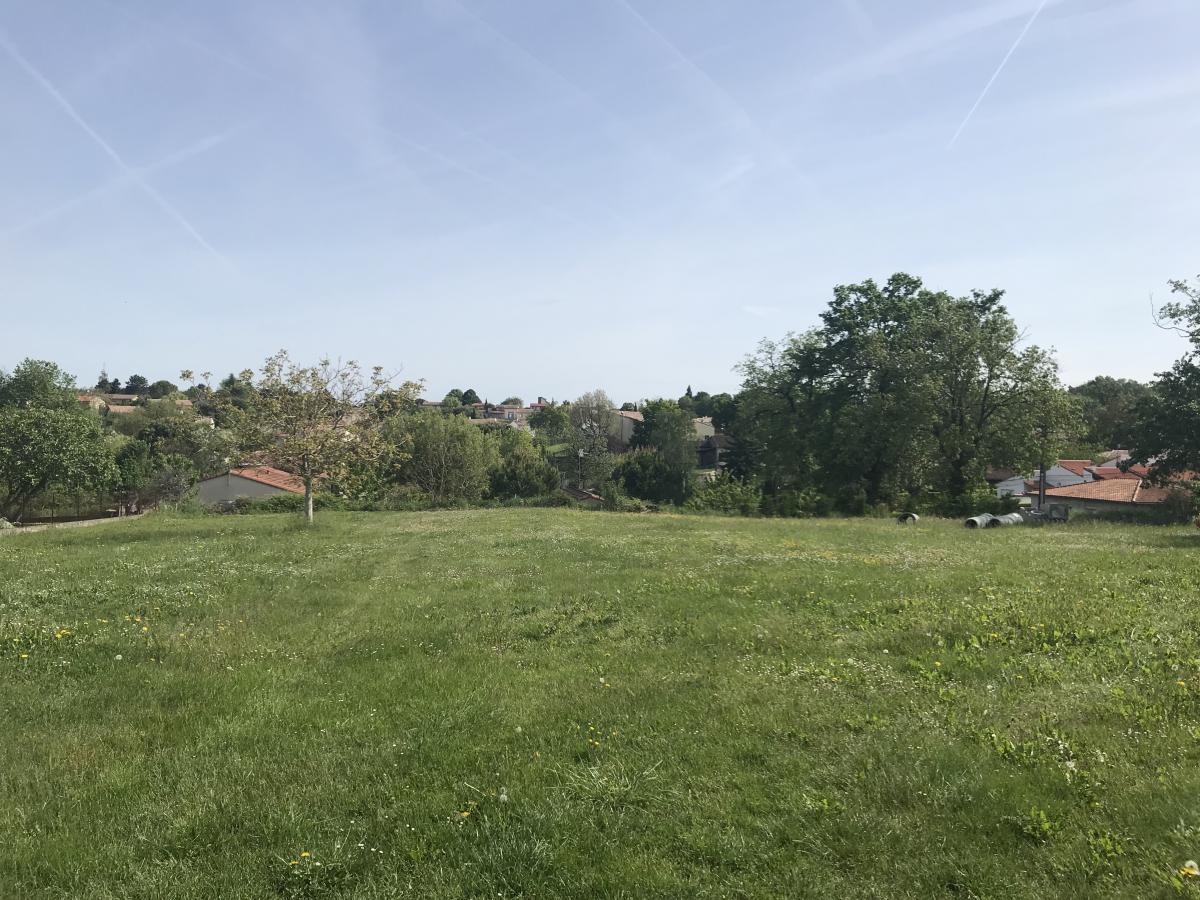 Terrains du constructeur ESQUISS AUCAMVILLE • 540 m² • VILLEMUR SUR TARN