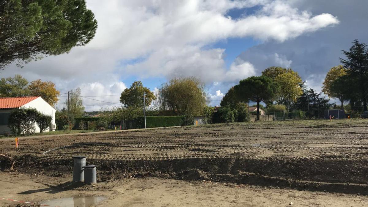 Terrains du constructeur ESQUISS AUCAMVILLE • 470 m² • CASTELMAUROU