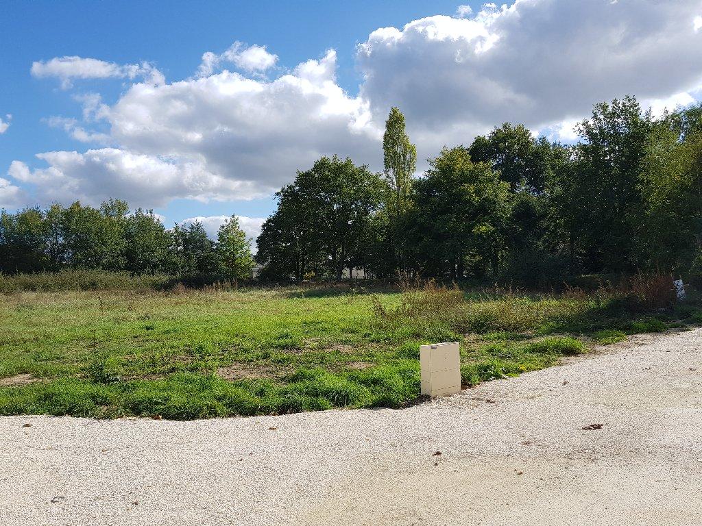 Terrains du constructeur CONSTRUCTIONS PERSONNALISEES ET RENOVATION REGION CENTRE • 731 m² • SAINT MARTIN D'ABBAT