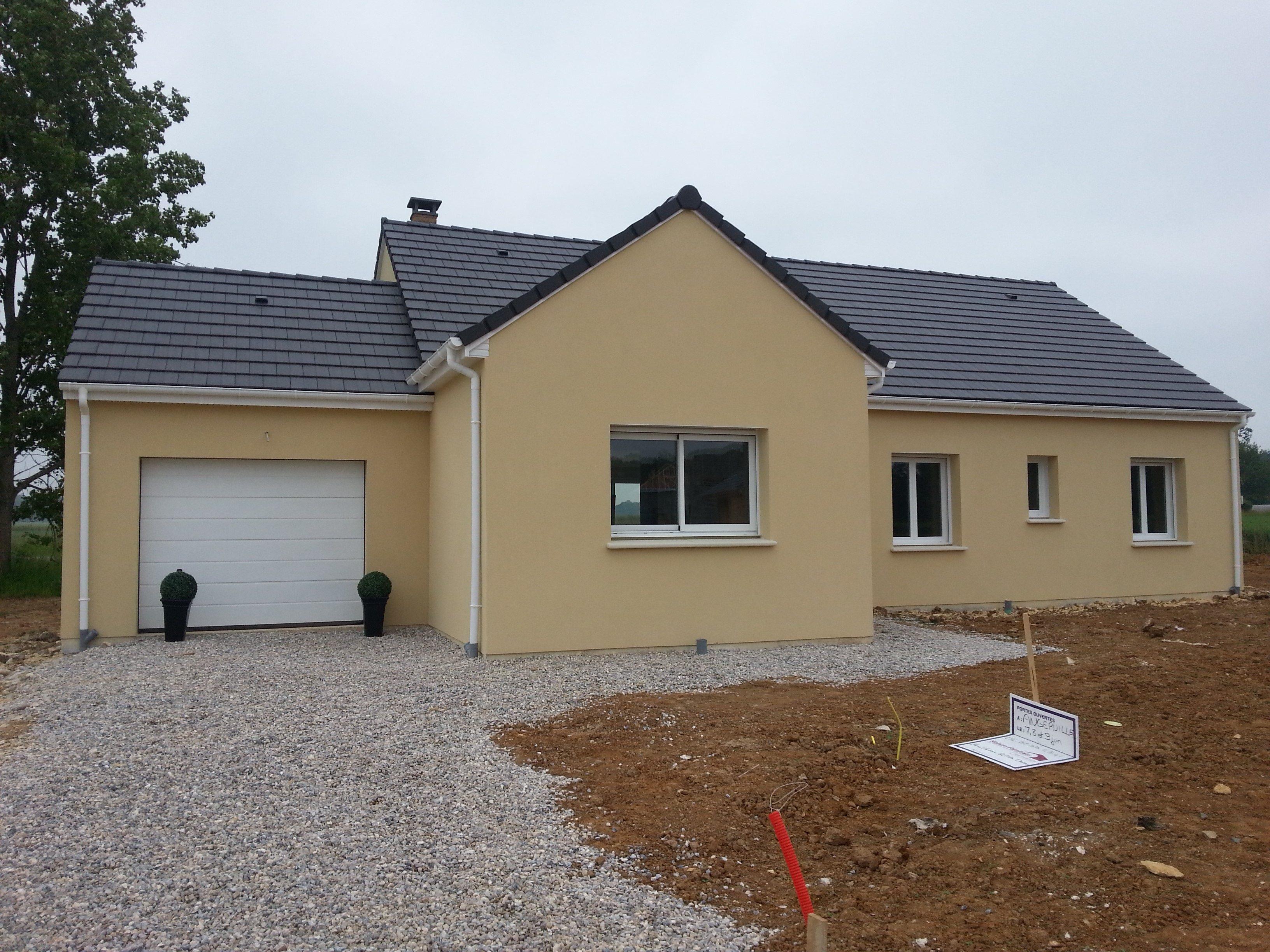 Maisons + Terrains du constructeur MAISON FAMILIALE • 100 m² • CIERREY