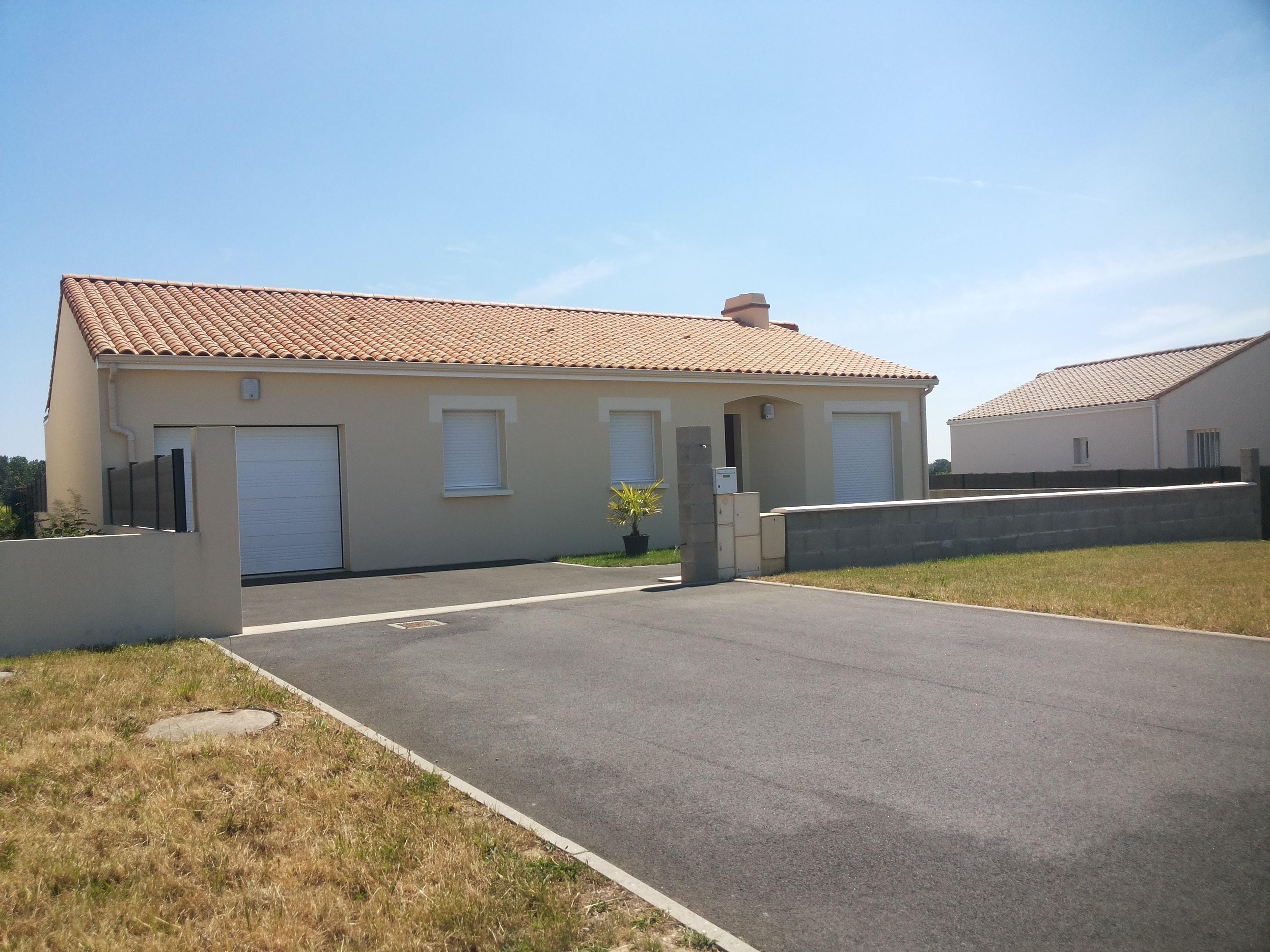 Maisons + Terrains du constructeur MAISON FAMILIALE LA ROCHE-SUR-YON • 93 m² • SAINTE FOY
