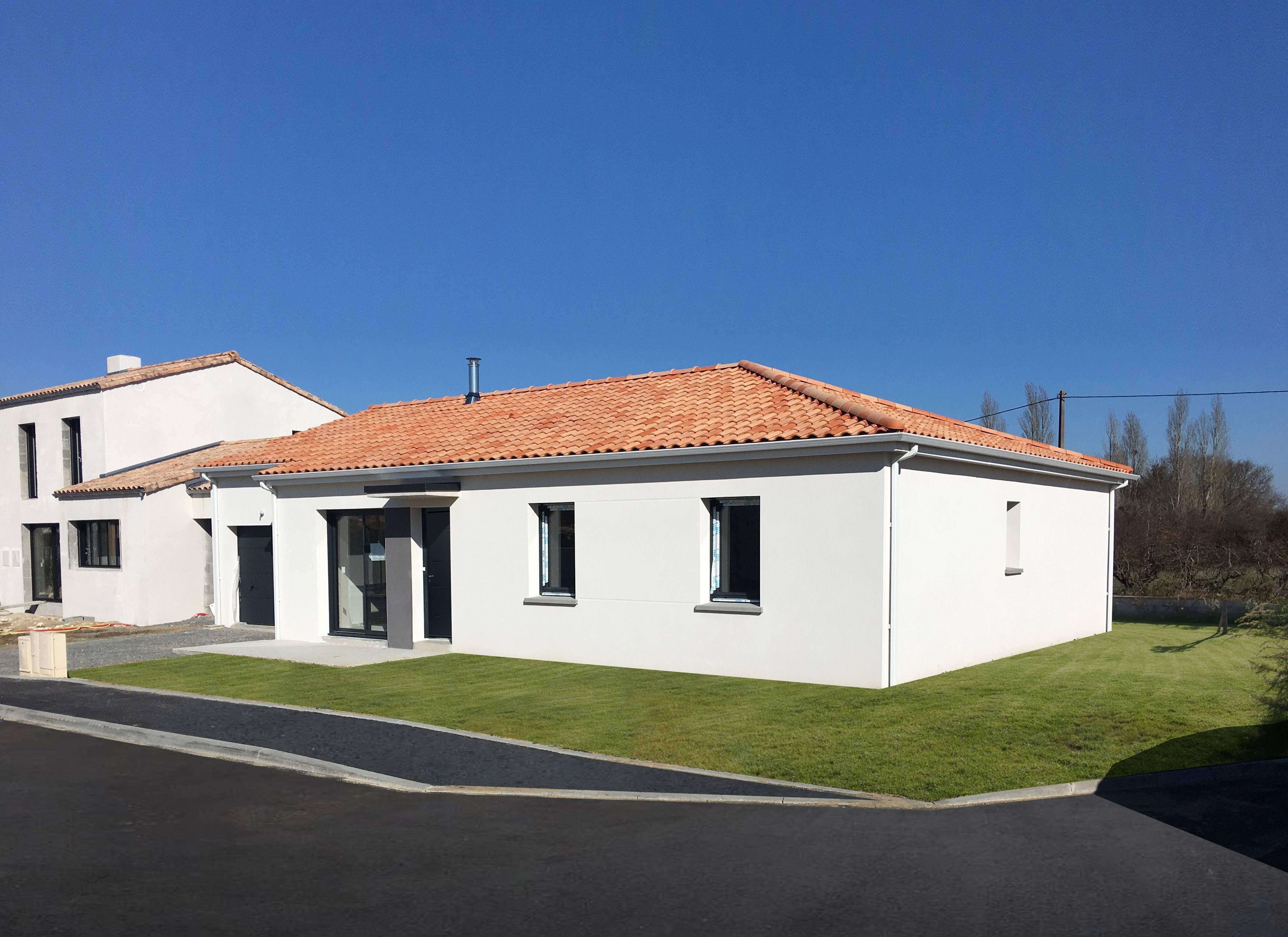 Maisons + Terrains du constructeur Maisons Phénix La-Roche-Sur-Yon • 93 m² • LONGEVILLE SUR MER