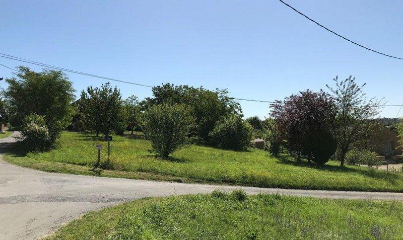 Terrains du constructeur LES MAISONS AURA - AGENCE DE BERGERAC • 2000 m² • SARLAT LA CANEDA