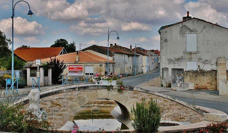 Terrains du constructeur Charentes Techniques Constructions • 524 m² • ROCHEFORT