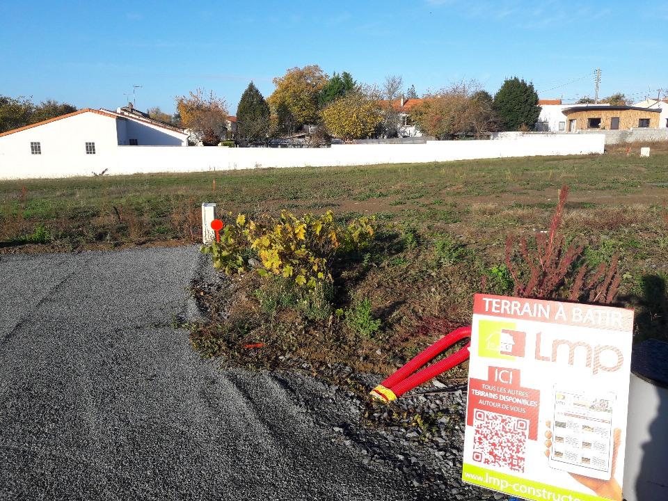 Terrains du constructeur LMP CONSTRUCTEUR • 396 m² • MOUCHAMPS