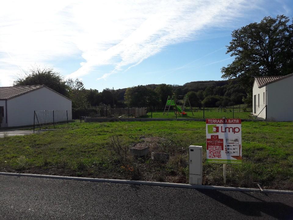 Terrains du constructeur LMP CONSTRUCTEUR • 543 m² • LA FLOCELLIERE