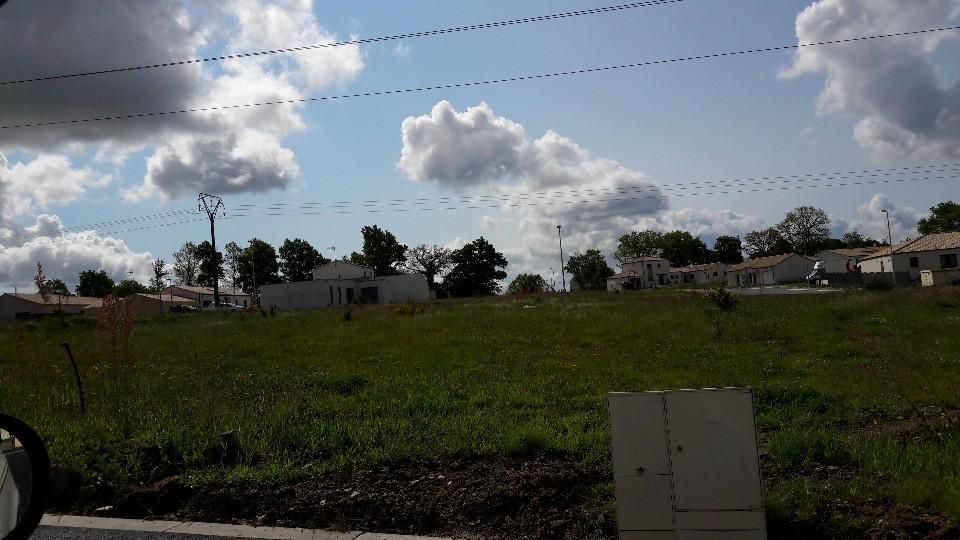 Terrains du constructeur LMP • 700 m² • CHANTONNAY