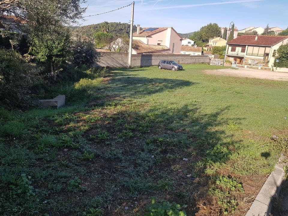 Terrains du constructeur MAISONS FRANCE CONFORT • 377 m² • PIERREFEU DU VAR