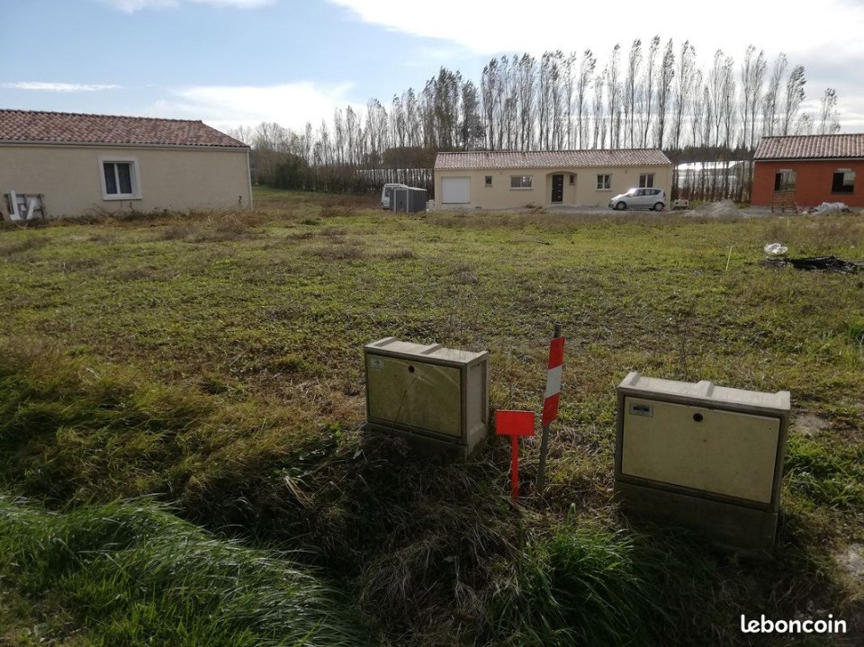 Terrains du constructeur LES MAISONS DE MANON • 670 m² • CASTELNAUDARY